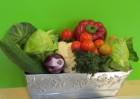 Gemüse in Metallschale beschnittent.JPG